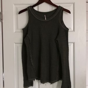Free People Off the Shoulder Sweater! Size XS